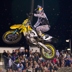 Yoshimura Suzuki's James Stewart Salvages Daytona Supercross Despite Damaged Header Pipe